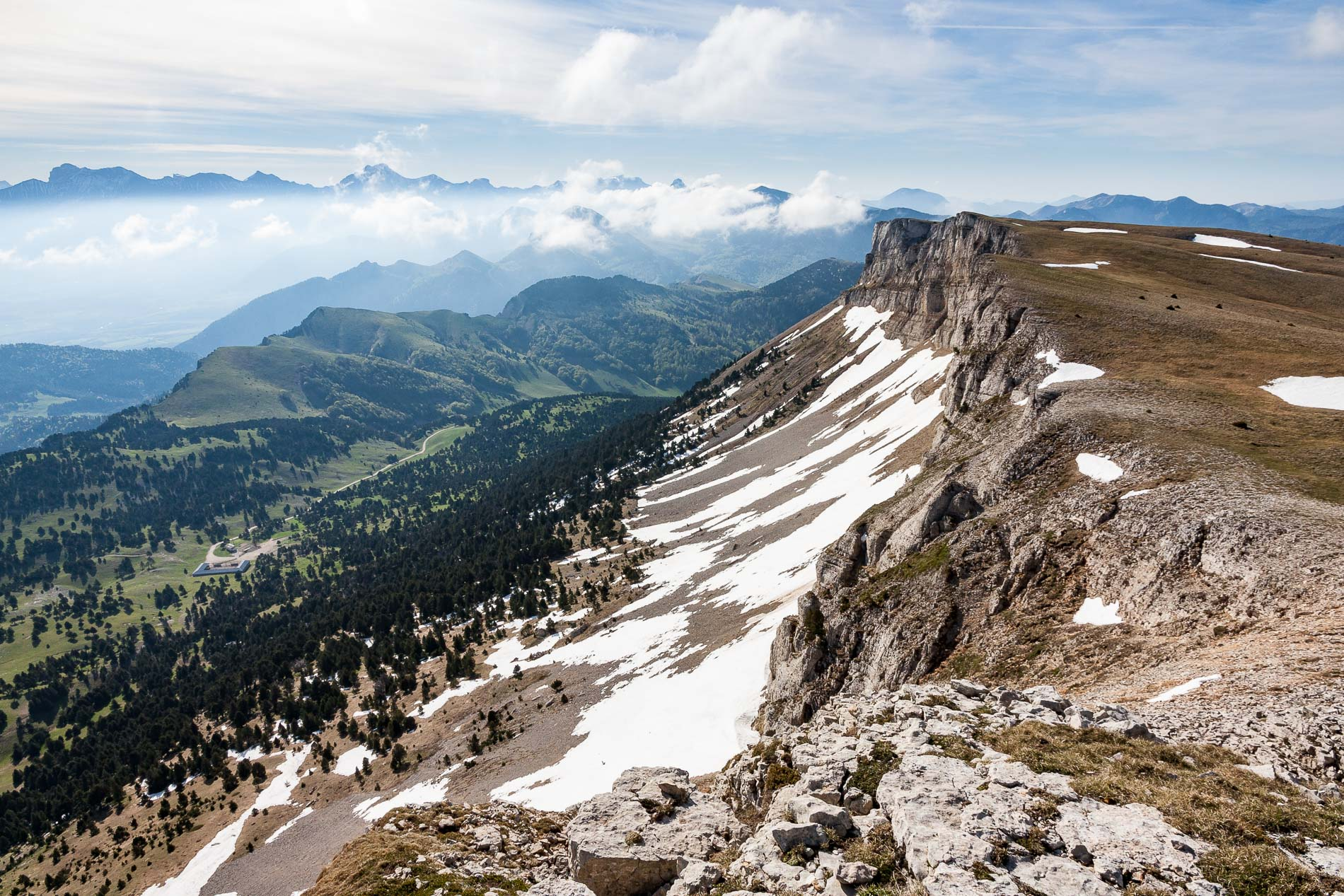 Vallon de Combau depuis le sommet de la Montagnette