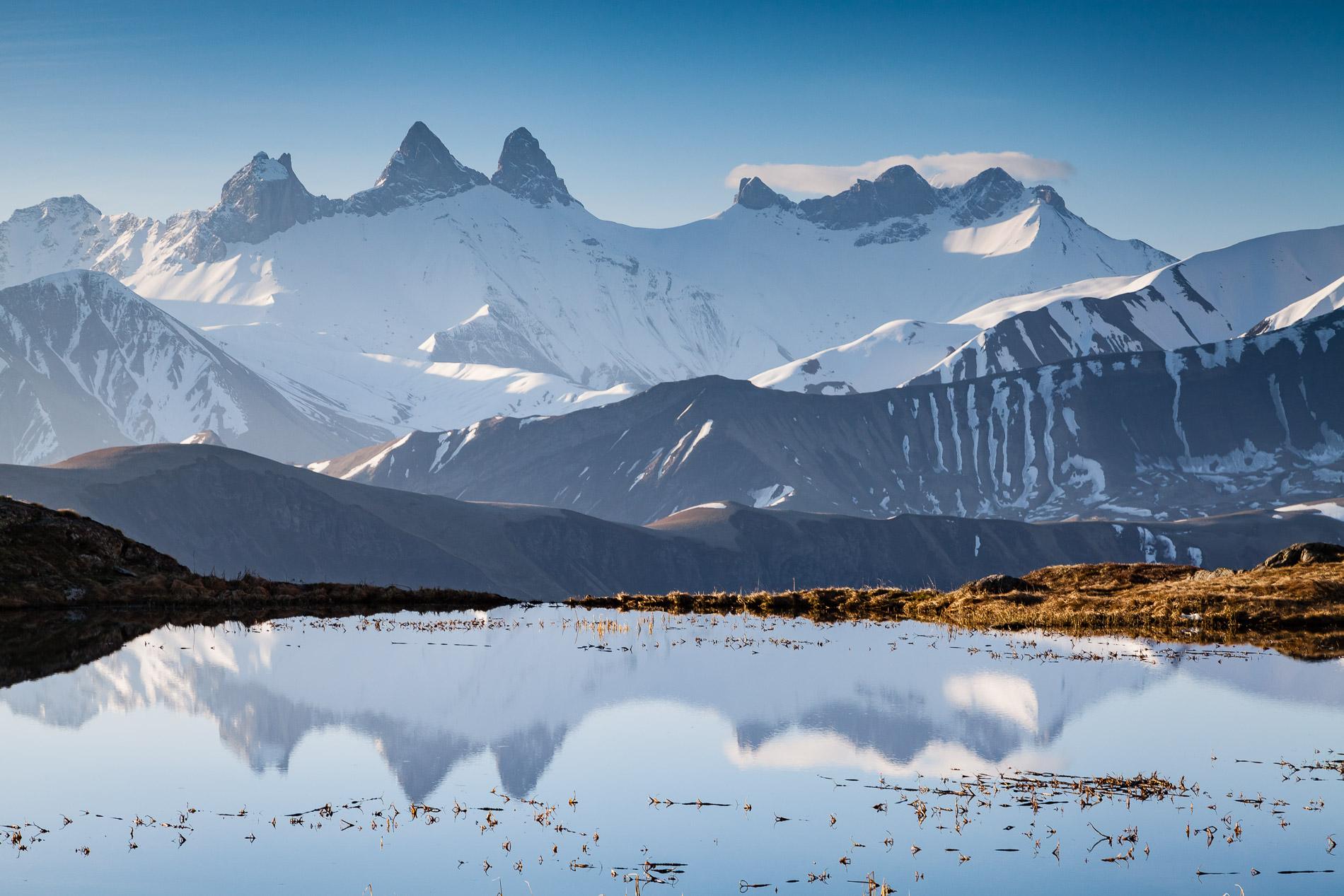 Reflet des Aiguilles d'Arves dans le lac Guichard