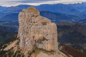 Survol de Mont Aiguille en avion