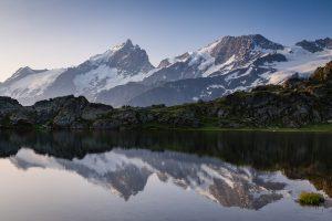 Massif de la Meije depuis le lac Lérié
